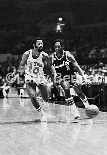 Nate Archibald and Walt Frazier photo by Larry Berman