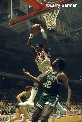Darryl Dawkins photograph by Larry Berman