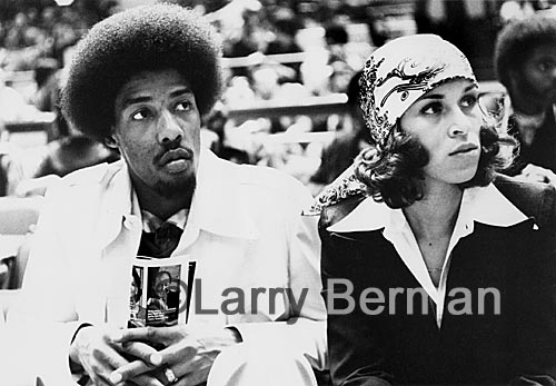 Julius Erving Dr J and Turquoise Erving Photograph by Larry Berman