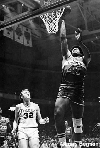 Wes Unseld photo by Larry Berman